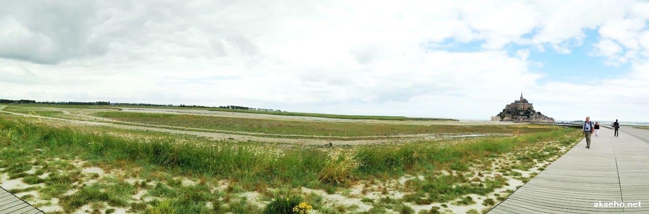 モンサンミッシェル対岸の草原