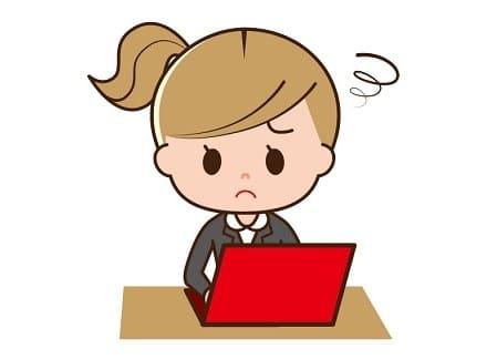 ノートパソコンで調べごとをする女性のフリーイラスト